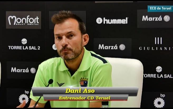 Daniel Aso, entrenador turolense , en la sala de prensa de Castalia