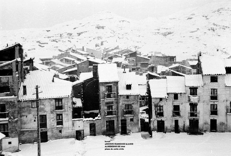 Foto del día. La plaza del Santo Cristo, junto al Arrabal. Año 1950