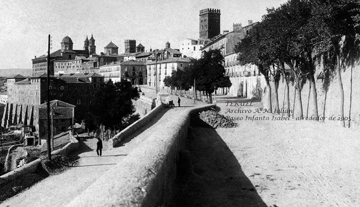 Foto del dia : Paseo de la Infanta Isabel ( hoy del Óvalo) en 1905