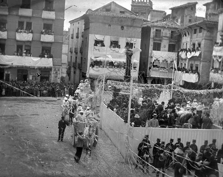 Foto del día: La fiesta del Coso Blanco en la capital, en 1908